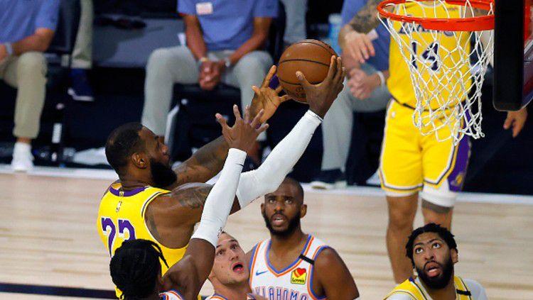 Berikut rekap hasil pertandingan NBA hari ini, Kamis (06/08/20) pagi WIB. Toronto Raptors belum terkalahkan dan LA Lakers dihajar Oklahoma City Thunder. Copyright: © (Photo by Kevin C. Cox/Getty Images)