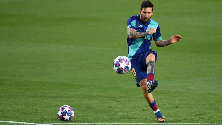 Lionel Messi dikabarkan bakal memutuskan masa depannya di Barcelona usai Liga Champions berakhir. Copyright: © David Ramos/Getty Images