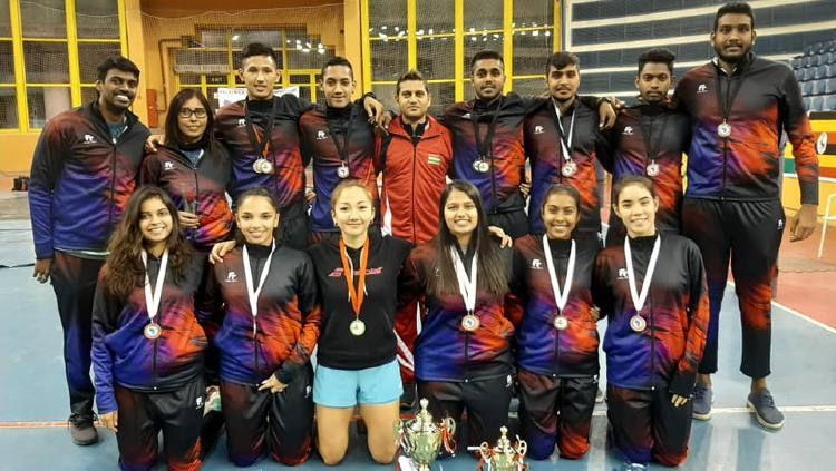 Sejumlah atlet bulutangkis asal Mauritius. Copyright: © Facebook/Mauritius Badminton Association