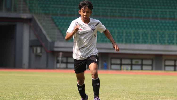 Dua pemain muda Persija Jakarta, Raka Cahyana Rizky dan Resa Aditya terpilih untuk jadi bagian Timnas Indonesia U-16 yang akan menjalani uji coba di UEA. Copyright: © PSSI-Persija