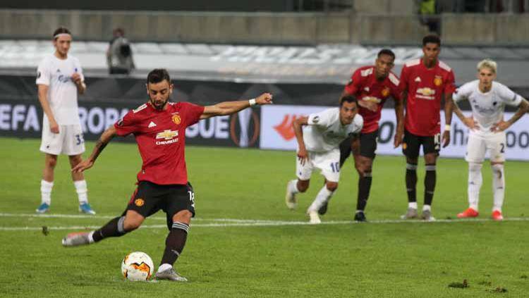 Ternyata ini alasan kenapa hampir semua kiper kesulitan dalam menghadang tendangan penalti mematikan dari Bruno Fernandes. Copyright: © Matthew Peters/Manchester United via Getty Images