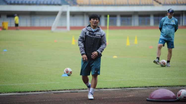 Pelatih fisik Persib Bandung, Yaya Sunarya di Stadion Gelora Bandung Lautan Api (GBLA), Kota Bandung, Kamis (13/08/2020). Copyright: © Media Officer Persib