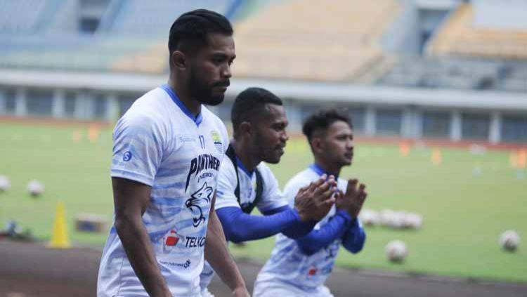 Asisten pelatih Persib Bandung, Budiman, memberikan komentar terkait regulasi pergantian pemain yang akan diterapkan saat kompetisi Liga 1 2020 bergulir. Copyright: © Media Officer Persib