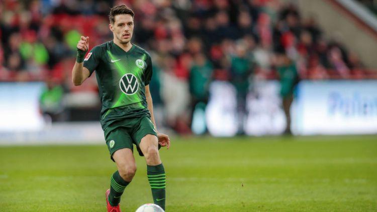 Josip Brekalo, gelandang Wolfsburg yang diincar AC Milan Copyright: © Andreas Gora/picture alliance via Getty Images
