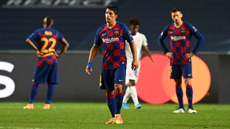 Luis Suarez tampak pasrah usai Barcelona dibantai Bayern Munchen di Liga Champions Copyright: © Michael Regan - UEFA/UEFA via Getty Images