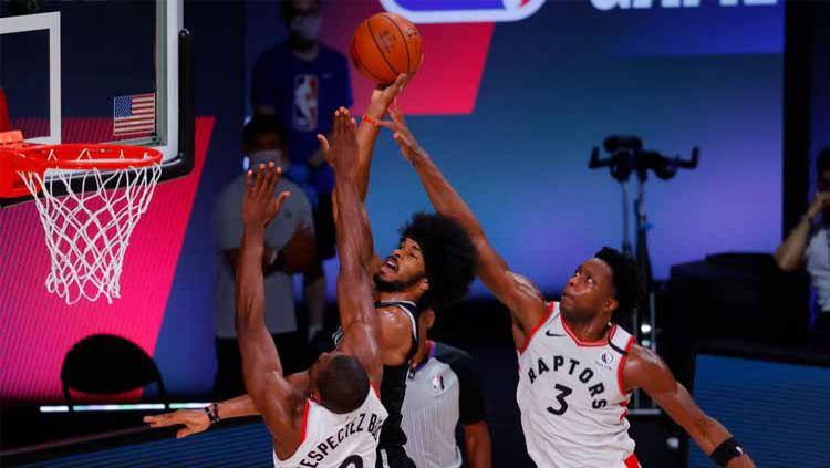 Toronto Raptors semakin menunjukkan keperkasaanya atas Brooklyn Nets usai kembali menang di babak kedua playoff NBA 2019/20, Kamis (20/08/20) WIB. Copyright: © Kevin C. Cox/Getty Images