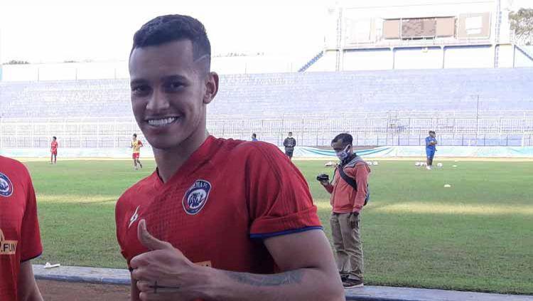 Arema FC meresmikan status dua pemain asing berusia muda asal Brasil sebagai bagian dari anggota tim dalam lanjutan kompetisi Liga 1 2020. Copyright: © Ian Setiawan/INDOSPORT