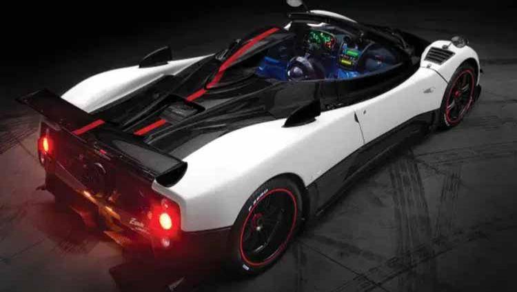 Pagani Zonda Roadster, koleksi mobil mewah Lionel Messi. Copyright: © thesun.co.uk/Handout