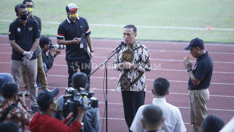 Ketua Umum PSSI, Mochamad Iriawan menilai kemungkinan besar perhelatan Piala AFC U-19 ditunda. Copyright: © Herry Ibrahim/INDOSPORT
