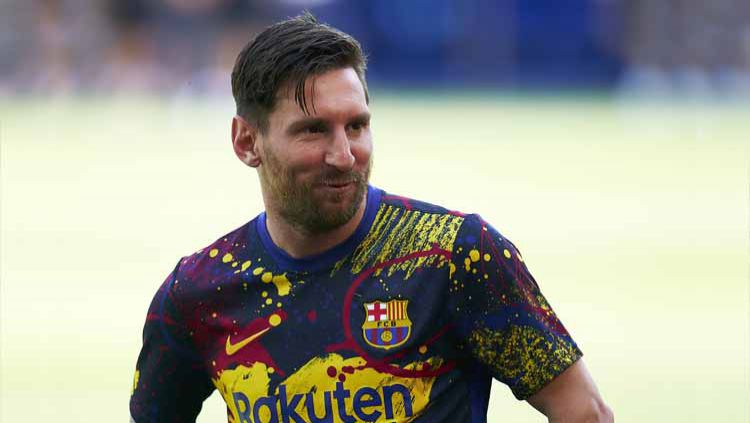 Lionel Messi membuktikan jika dirinya masih jago usai berhasil mencetak gol di luar nalar dalam laga uji coba antara Barcelona vs Girona. Copyright: © Pedro Salado/Quality Sport Images/Getty Images