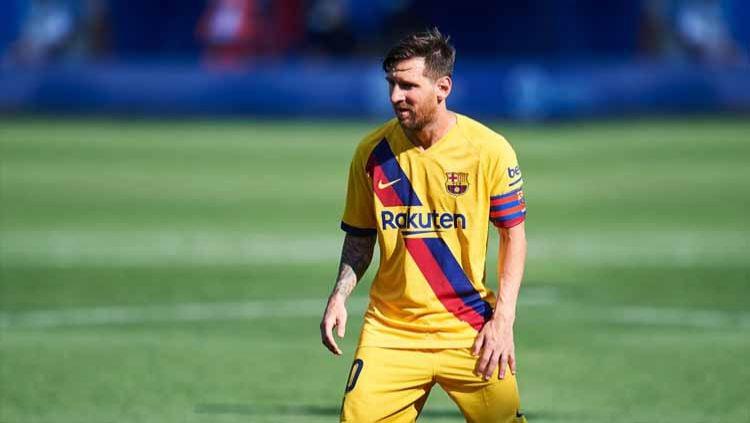 Pemain Barcelona, Lionel Messi sempat ucapkan kata-kata kurang mengenakkan di laga pramusim jelang LaLiga Spanyol kontra Gimnastic. Copyright: © Juan Manuel Serrano Arce/Getty Images