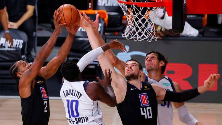 Perubahan besar terjadi di tubuh klub NBA Dallas Mavericks. Juara tahun 2011 itu resmi berpisah dengan GM Donnie Nelson dan pelatih kepala Rick Carlisle. Copyright: © Kevin C. Cox/Getty Images