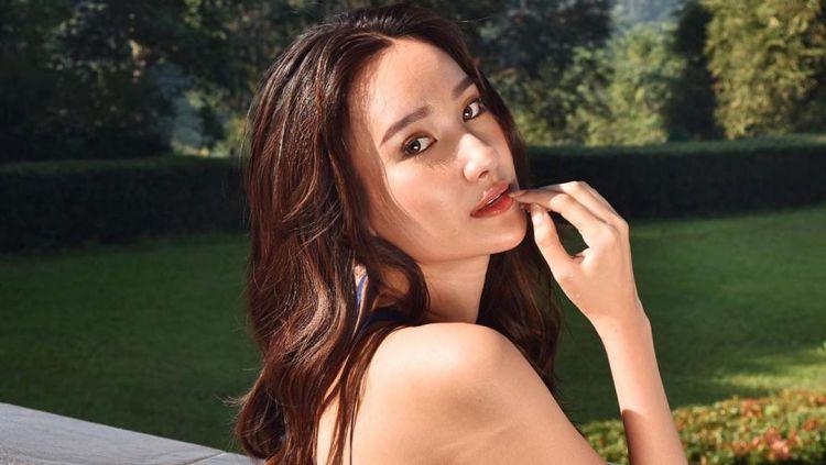 Bella Aprilia Sant, Miss Intercontinental Indonesia 2020 diketahui mendapatkan godaan dari salah satu publik figur kenamaan tanah air, Ivan Gunawan. Copyright: © instagram.com/bellaapriliasant