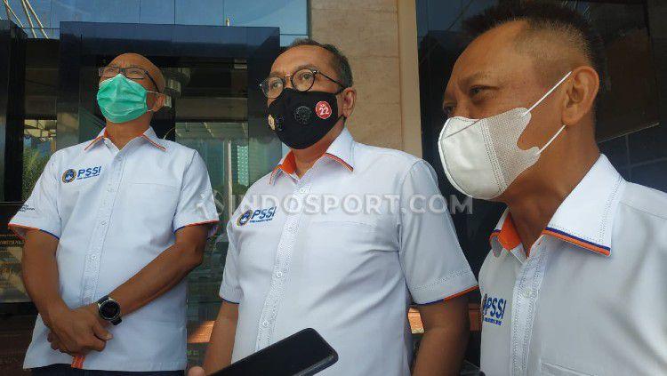 PT Liga Indonesia Baru (LIB) selaku operator Liga 1 melanjutkan safarinya dengan bertemu pihak keamanan jelang bergulirnya kembali Liga 1 2020. Copyright: © Zainal Hasan/INDOSPORT