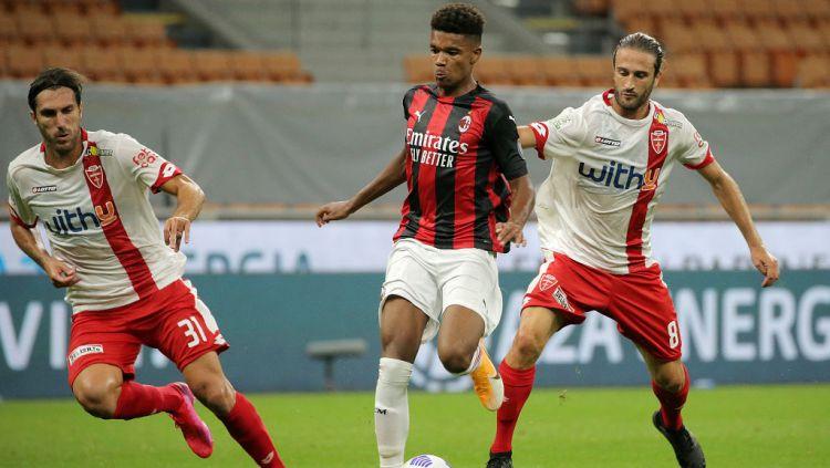 Meskipun AC Milan tidak membuat banyak pergerakan di bursa transfer yang sudah berakhir bulan lalu, namun kini mereka kini justru tertarik dengan bakat-bakat muda Swedia. Copyright: © Giuseppe Cottini/NurPhoto via Getty Images