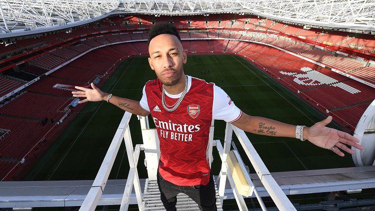 Pierre-Emerick Aubameyang kabarnya sudah menandatangani perpanjangan kontraknya dengan The Gunners. Ia memiliki alasan terbesar menerima tawaran tersebut. Copyright: © Twitter Arsenal