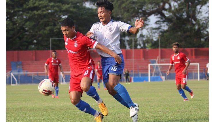 Putra Sinar Giri (PSG) kalah tipis 2-3 pada saat pertandingan uji coba lawan Persik Kediri di Stadion Brawijaya, Kediri, Kamis (17/9/20). Copyright: © Media Putra Sinar Giri