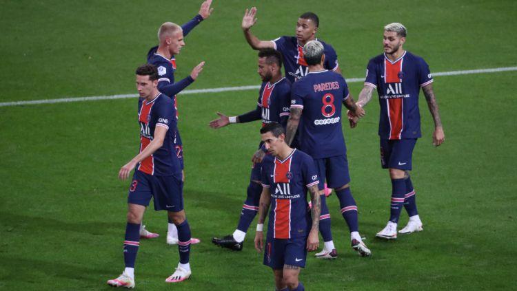 Skuat Paris Saint-Germain merayakan kemenangan mereka atas Stade Reims Copyright: © Xavier Laine/Getty Images