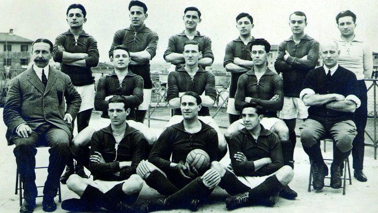 Sejarah kelahiran klub Serie A Italia, Bologna FC, 3 Oktober 1909. Copyright: © Bologna FC
