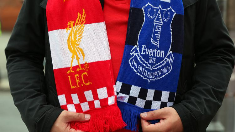 2 tim Merseyside, Liverpool dan Everton mendapat nasib berbeda dalam menjalani jadwal padat Liga Inggris di penghujung tahun 2020. Copyright: © Alex Livesey/Getty Images