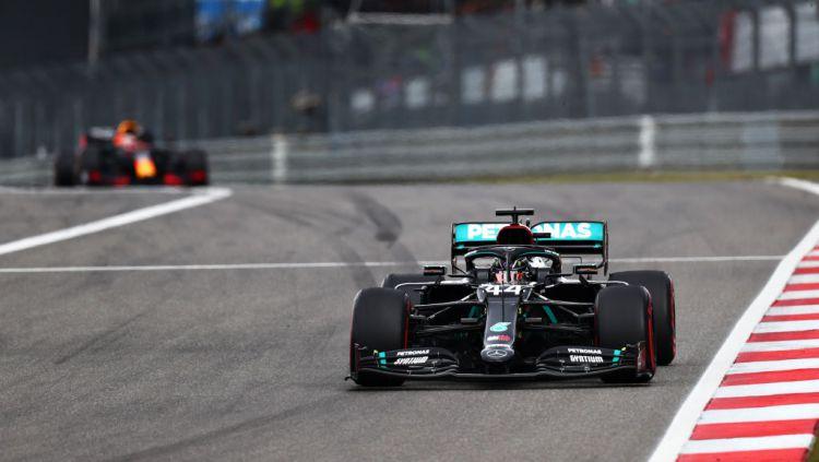 Berikut adalah hasil Formula 1 GP Eifel 2020 yang digelar di Sirkuit Nurburgring, Minggu (11/10/2020) di mana Lewis Hamilton berhasil menjadi yang tercepat. Copyright: © Dan Istitene - Formula 1 via Getty Images