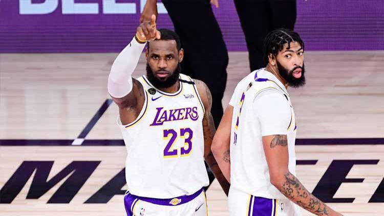 LeBron James di Game 6 Final NBA antara LA Lakers vs Miami Heat, Minggu (11/10/2020) di AdventHealth Arena. Copyright: © Twitter@NBA