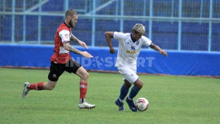 Laga ujicoba antara Arema FC vs Madura United di Stadion Kanjuruhan Malang, Rabu (21/10/20). Copyright: © Ian Setiawan/INDOSPORT