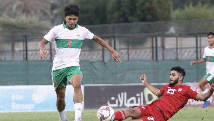 Timnas Indonesia U-16 menelan kekalahan telak 0-4 dari Uni Emirat Arab (UEA) pada laga uji coba, Sabtu (24/10/20) lalu. Copyright: © PSSI
