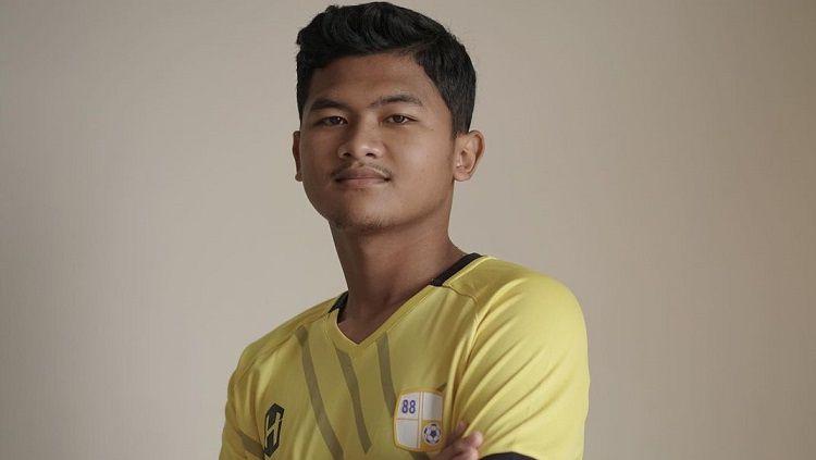 Pemain muda Ardiansyah Pramestu baru saja mengikat kontrak dengan tim sepak bola Barito Putera. Copyright: © Instagram