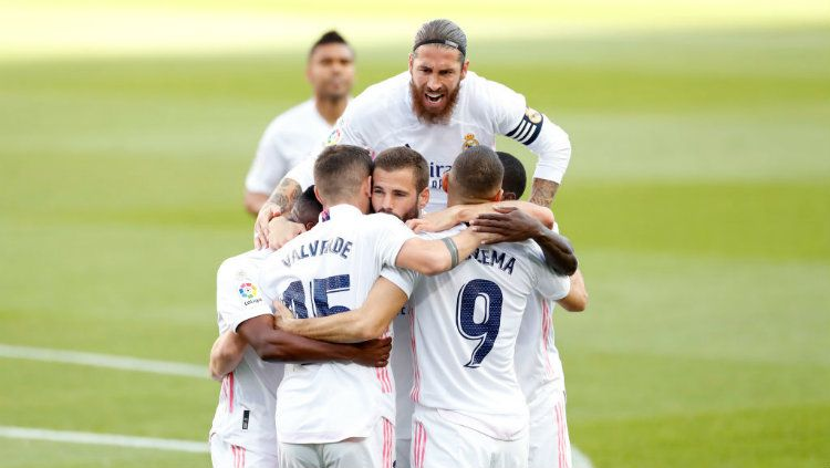 Real Madrid dihadapkan pada situasi pelik yang membuat mereka dikabarkan sedang galau memilih antara transfer impian atau prospek jangka panjang guna menyelamatkan masa depan klub. Copyright: © Antonio Villalba/Real Madrid via Getty Images
