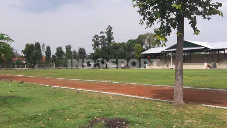 Lapangan Kottabarat, Solo mulai bersolek dan berbenah menuju gelaran kompetisi bergengis Piala Dunia U-20 2021 mendatang. Copyright: © Ronald Seger/INDOSPORT