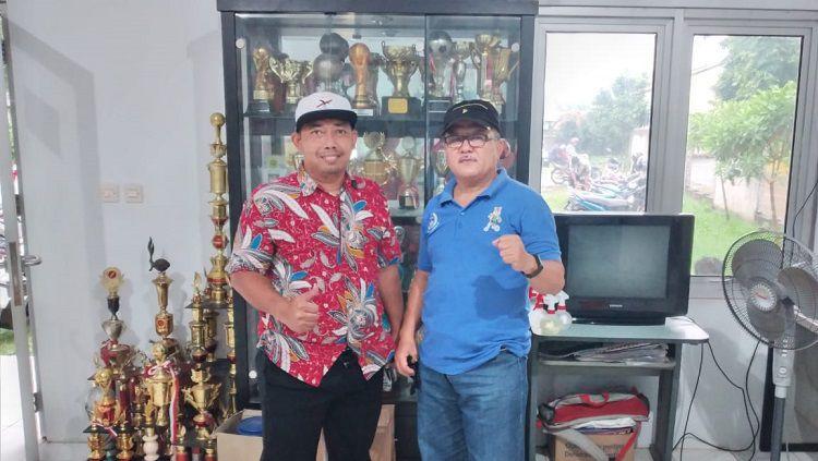 Owner SSB Cibinong Poetra, Herson Hizkia (kanan) dan Ketua Umum Putu Wira Pramana (kiri). Copyright: © Indra Citra Sena/INDOSPORT