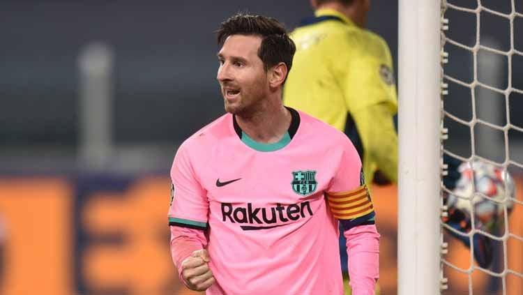 Baru saja diperkenalkan, patung Lionel Messi yang berada di museum milik Barcelona justru banjir ledekan karena dinilai lebih mirip rekan Messi di Blaugrana. Copyright: © Tullio Puglia - UEFA/UEFA via Getty Images