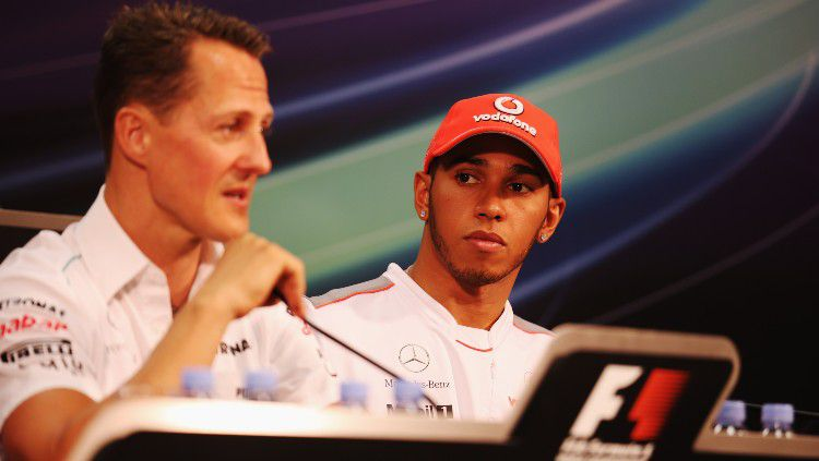 Michael Schumacher dan Lewis Hamilton di GP Monaco 2012. Copyright: © Clive Mason/Getty Images