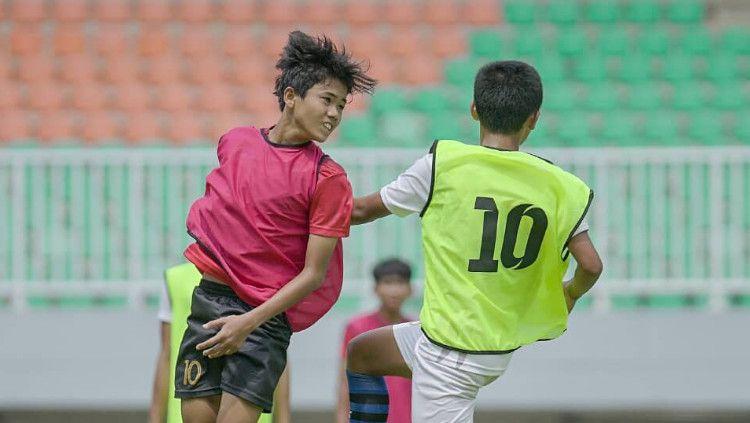 Seleksi Garuda Select Jilid III di Stadion Pakansari, Bogor. Copyright: © PSSI