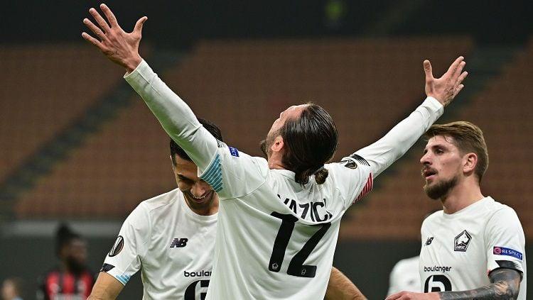 Ekspresi pemain Lille, Yusuf Yazici, usai mencetak gol ke gawang AC Milan dalam pertandingan Liga Europa, Kamis (5/11/20). Copyright: © Twitter Europa League