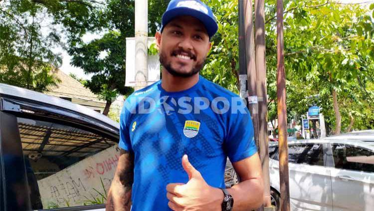 Wander Luiz salah satu pemain asing yang masih bertahan di Persib. Namun belum bisa bergabung dengan tim. Copyright: © Arif Rahman/Indosport