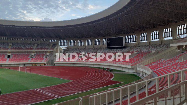 Stadion Lukas Enembe yang berada di Kampung Harapan, Sentani, Kabupaten Jayapura. Copyright: © Sudjarwo/INDOSPORT