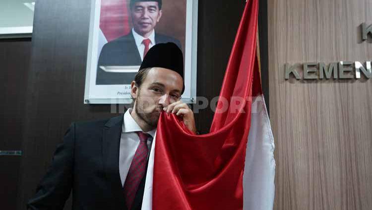 Gelandang Persija Jakarta, MArc Anthony Klok telah resmi menjadi seorang Warga Negara Indonesia (WNI). Copyright: © Persija