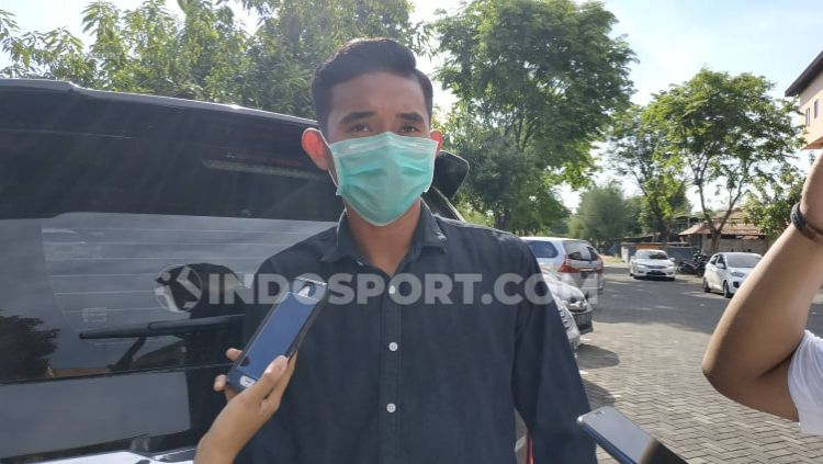 Rizky Ridho semangat menjalankan latihan Timnas Indonesia U-19 secara virtual. Copyright: © Fitra Herdian / INDOSPORT