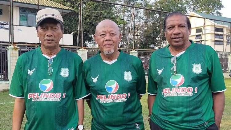 Tiga legenda PSMS Medan yang menjadi penasihat teknik, alm Parlin Siagian (kiri), Nobon Kamayudin (tengah) dan Tumsila (kanan). Copyright: © Pewarta PSMS Medan