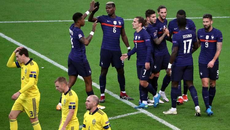 Timnas Prancis merayakan gol ke gawang Swedia dalam pertandingan UEFA Nations League, Rabu (18/11/20) dini hari WIB. Copyright: © Xavier Laine/Getty Images