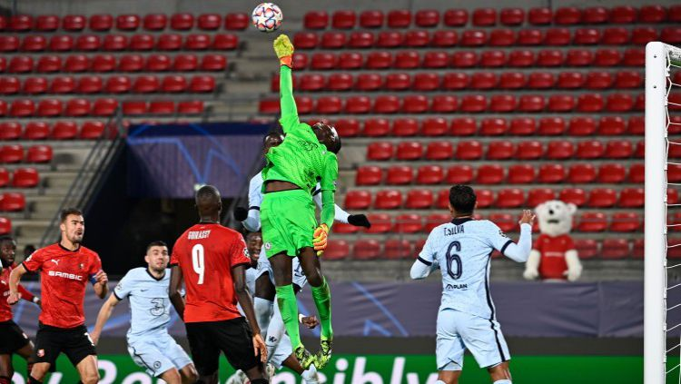 Penyelamatan gemilang Edouard Mendy dalam duel Liga Champions: Rennes vs Chelsea Copyright: © Twitter @ChelseaFC
