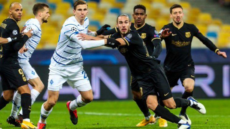 Situasi pertandingan Dynamo Kyiv vs Barcelona Copyright: © Twitter @FCBarcelona