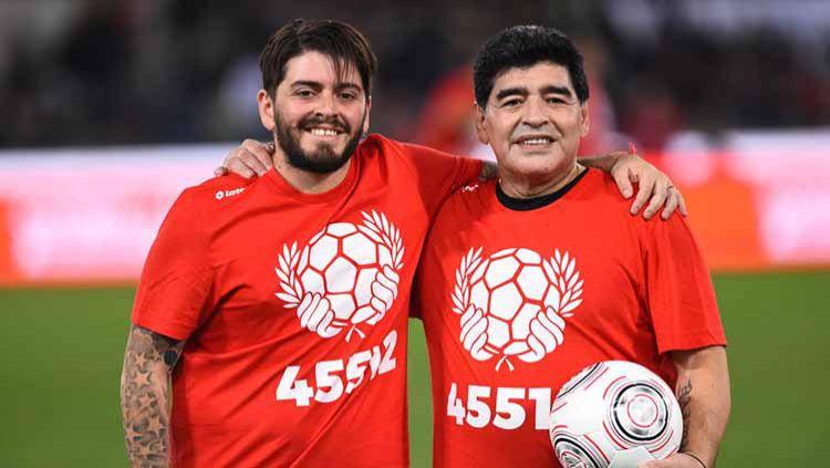 Putra tertua Diego Armando Maradona diketahui mengirimkan pesan menyentuh menyusul kematian mendadak yang dialami oleh sang legenda. Copyright: © Archivio Massimo Insabato/Mondadori Portfolio via Getty Images
