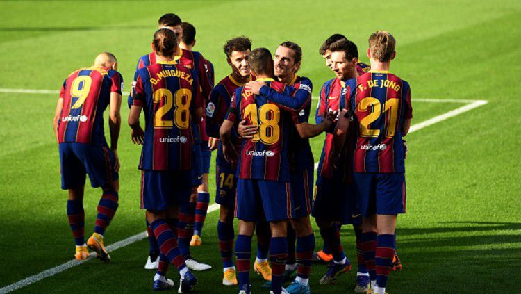Ketika raksasa LaLiga Spanyol, Barcelona sedang dalam keadaan sekarat, Lionel Messi beserta koleganya justru lakukan pengkhianatan. Copyright: © (Photo by David Ramos/Getty Images)