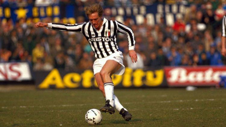 Massimo Bonini  saat memperkuat Juventus. Copyright: © gentlemanultra.com