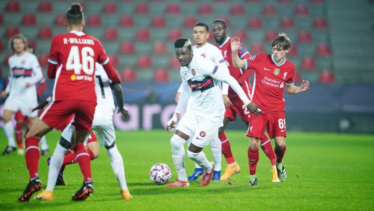 Momen laga Midtjylland vs Liverpool di Liga Champions Copyright: © Lars Ronbog / FrontZoneSport via Getty Images