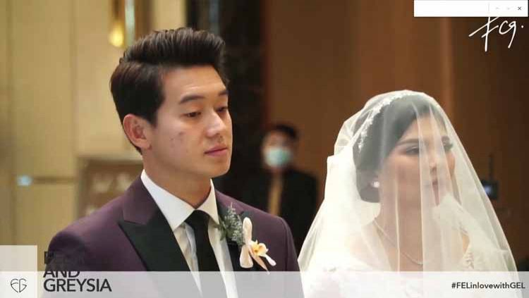 Usai memenangi laga pertama Yonex Thailand Open 2021, pebulutangkis ganda putri, Greysia Polii, rela menjadi korban modus sang suami, Felix Djimin. Copyright: © Felix and Greysia
