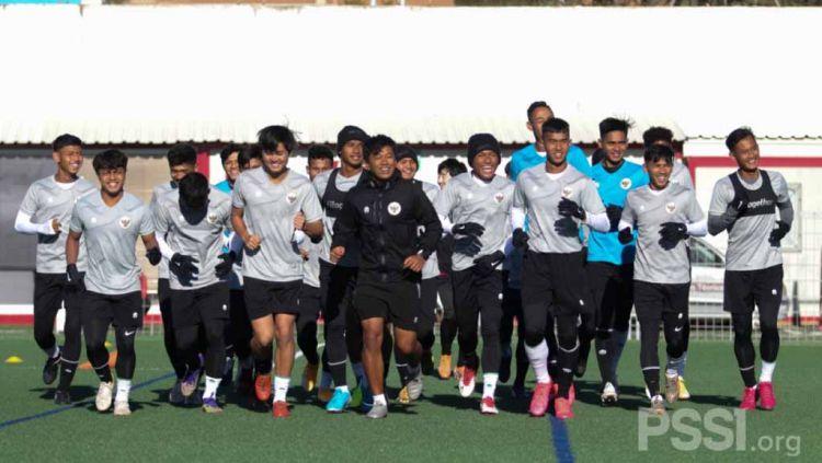 Ada tiga pemain yang dilaporkan belum bergabung dan ikut latihan bersama Timnas U-19 di Spanyol. Copyright: © PSSI